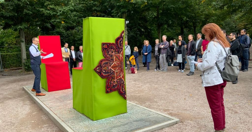 Aufruf zum Dialog am Goethe-Hafis-Denkmal