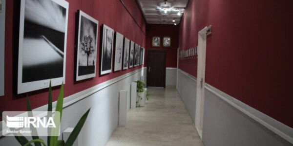 Fotoausstellung des britischen Künstlers Michael Kenna in Semnan
