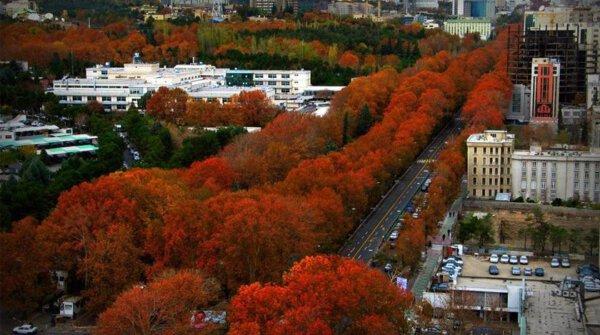 Die Valiasr-Straße in Teheran